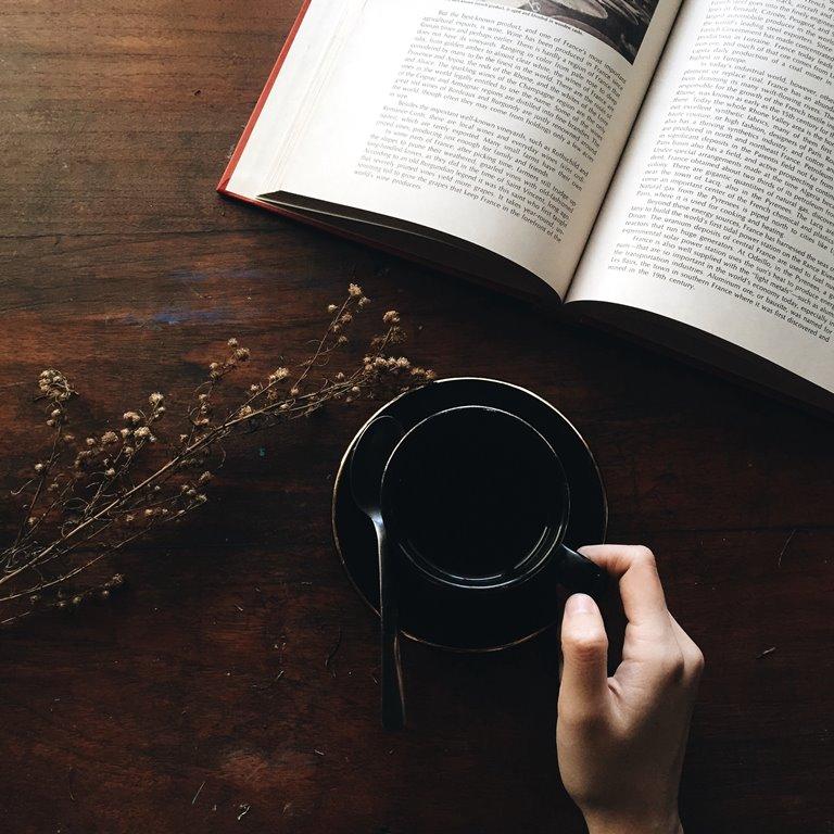 knjiga-i-čaj