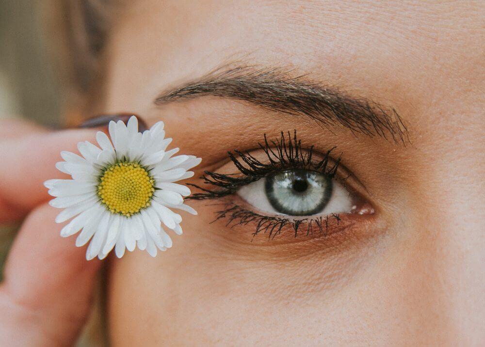 oko-obrva-bela-rada