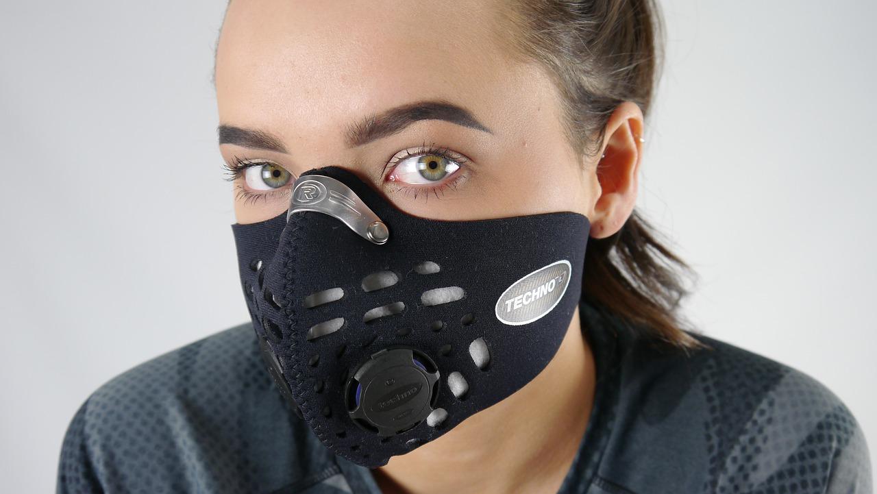 primer kako se zaštititi od aerozagađenja uz pomoć maske sa filterima